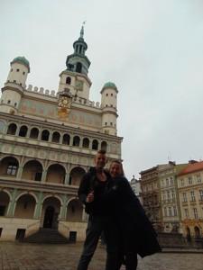 po ciężkiej pracy zasłużony spacer po pięknym rynku Poznania - pozdrawiamy